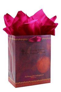 Gift Bag Medium: New Celebrating Someone (Incl Tissue Paper And Gift Tag)