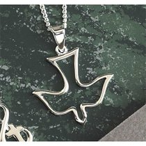 Necklace: Silver Plated Open Descending Dove on 45Cm Silver Plated Chain
